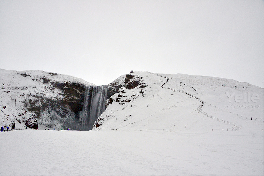 Anyway, this is what we saw. Skogafoss waterfall. To me, they are all the same.